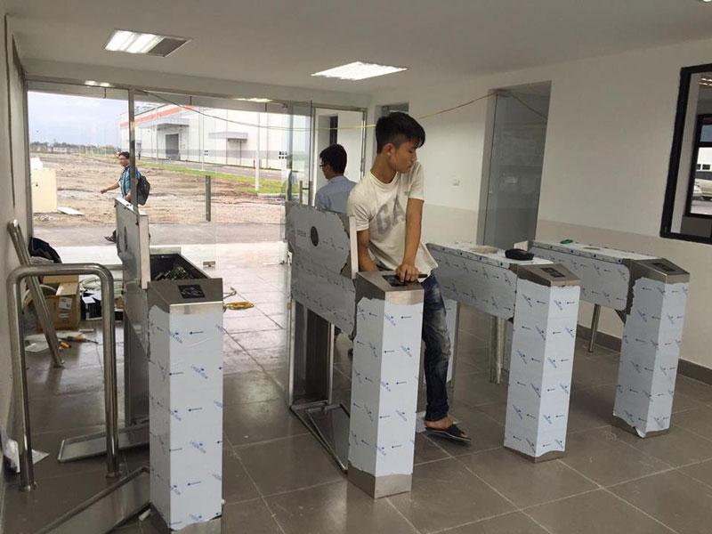 Kiểm soát cổng xoay tự động nhà máy Woosung Electronics