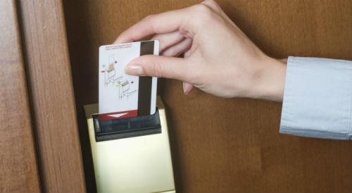 quy trình làm thẻ từ khách sạn