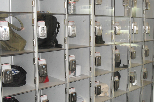 Tủ locker kết hợp với khóa điện tử