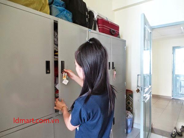 Khóa tủ locker của sinh viên